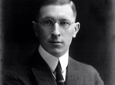 frederick banting- greatest canadian essay Students will write a persuasive essay to support or refute the claim that frederick banting should be considered the greatest canadian.