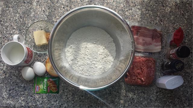 Eten van dichtbij: Het recept van Roy Donders' favoriete worstenbroodje