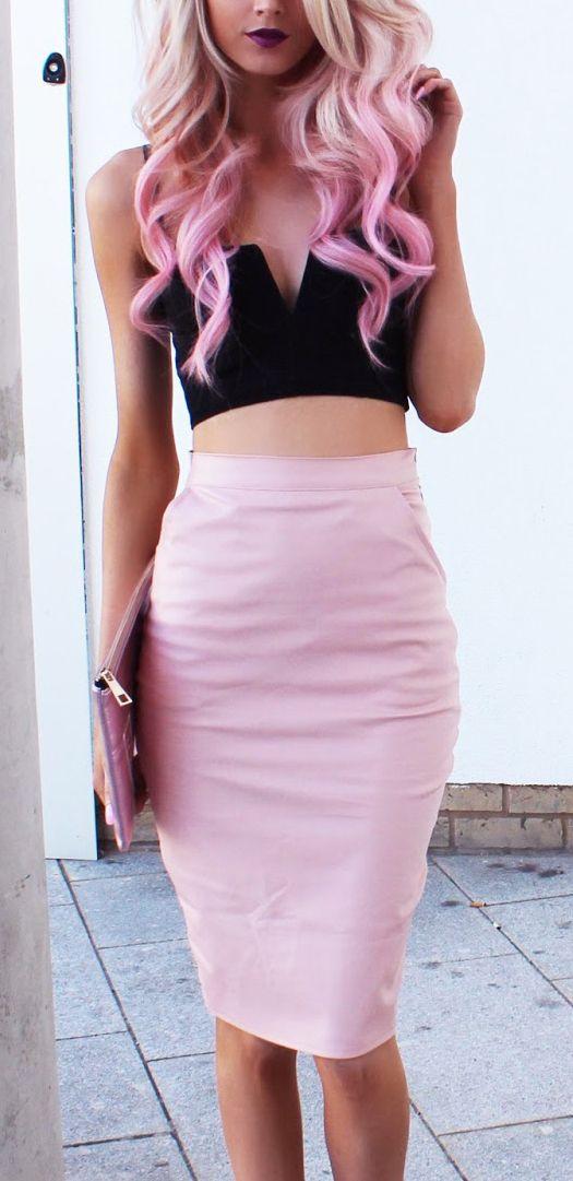 Cropped top & pencil skirt / Haute avec jupe crayon !!! https://fr.pinterest.com/disavoie11/