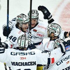 DELIce Hockey Championship: Adler Mannheim vs Eisbaeren Berlin