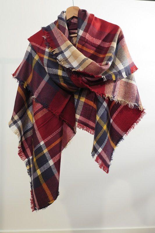 ¡Escribe a info@escampe.com para conseguir tu pañuelo de moda por 10€! 140 x 140 Pañuelo maxibufanda de cuadros (granate azul marino amarillo)