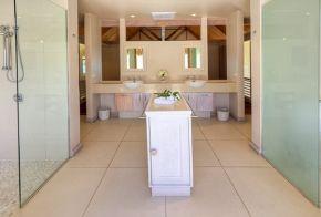 Little Polynesian Resort - Couples Bathroom in Over Beach Are #littlepolynesian #pacificresort #rarotonga #cookislands