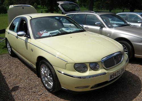 Rover 75 Connoisseur SE in very rare Primula Yellow. LOVE THAT COLOUR!