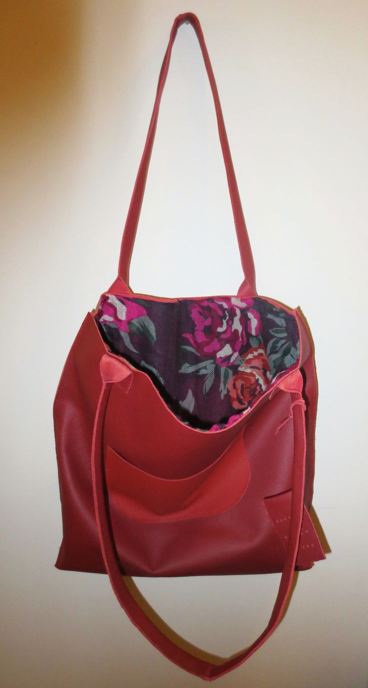 Red shopper lining