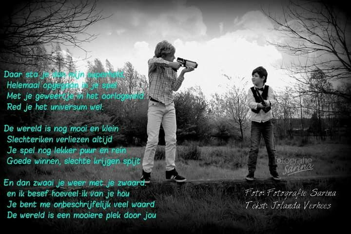 Gedicht over kinderen. Geweld. Oorlog. Kind zijn. Spelen. Opgroeien. Puur. Liefde. De wereld. Foto door Fotografie Sarina