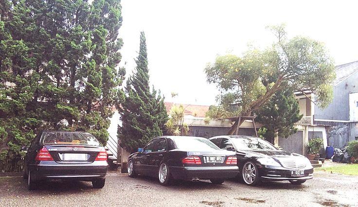 C - E - S klasse .. #Indonesian #E320 #w210 #elegance #mercedes #benz #mercedesbenz #Brabus  #monoblock #monti #fitment #necijakarta #NECI #neci01 #mbclubina #mbcar #mbpower #mbfanphoto #mbphotography #benzgram #benzmafia4life #210life #thebenzmafia #stancemercs #w210gram #w210amg #w210club #xna