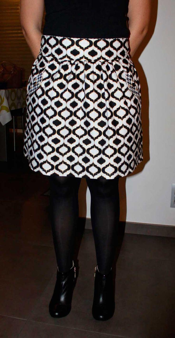 Lotta viert feest !, Deze Lotta Skirt werd speciaal gemaakt voor de feestdagen, want dan mag het wel wat speciaal zijn en met veel bling bling. Silke Dewanckele aka http...  #contest2015 #lottaskirt #plain&simple