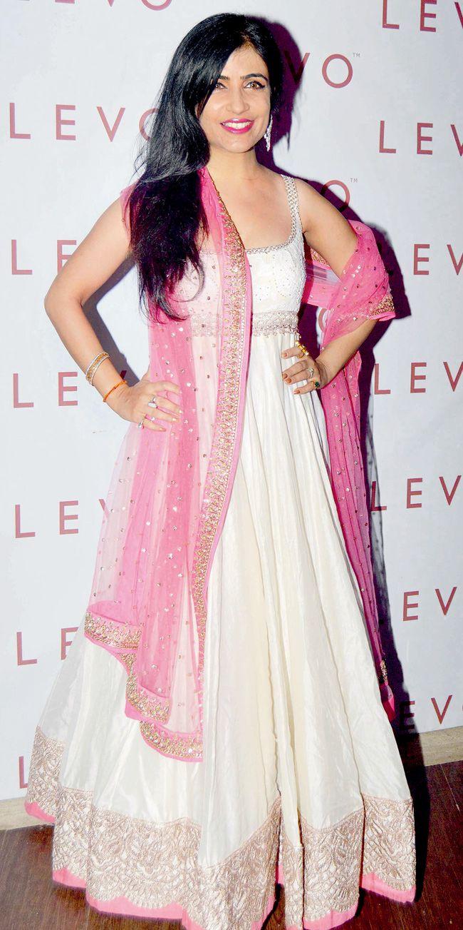 Mejores 75 imágenes de indian fashion suits etc en Pinterest | Ropa ...