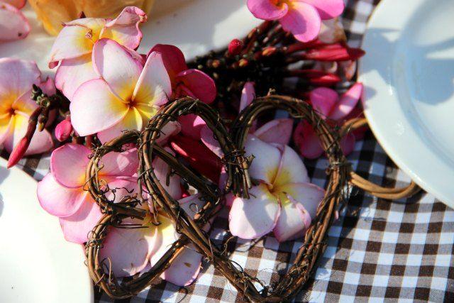 Frangepani's for a romantic engagement always works beautifully at Ubizane