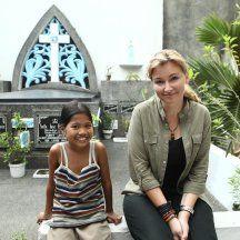 Martyna Wojciechowska dociera do Manili, stolicy Filipin. Jest to miasto o jednym z największych współczynników gęstości zaludnienia na świecie. Ludzie szu...