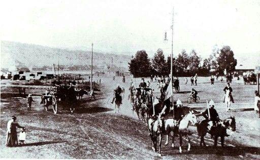 Pres M T Steyn kom in Pretoria aan om Pres Kruger te spreek. 1900