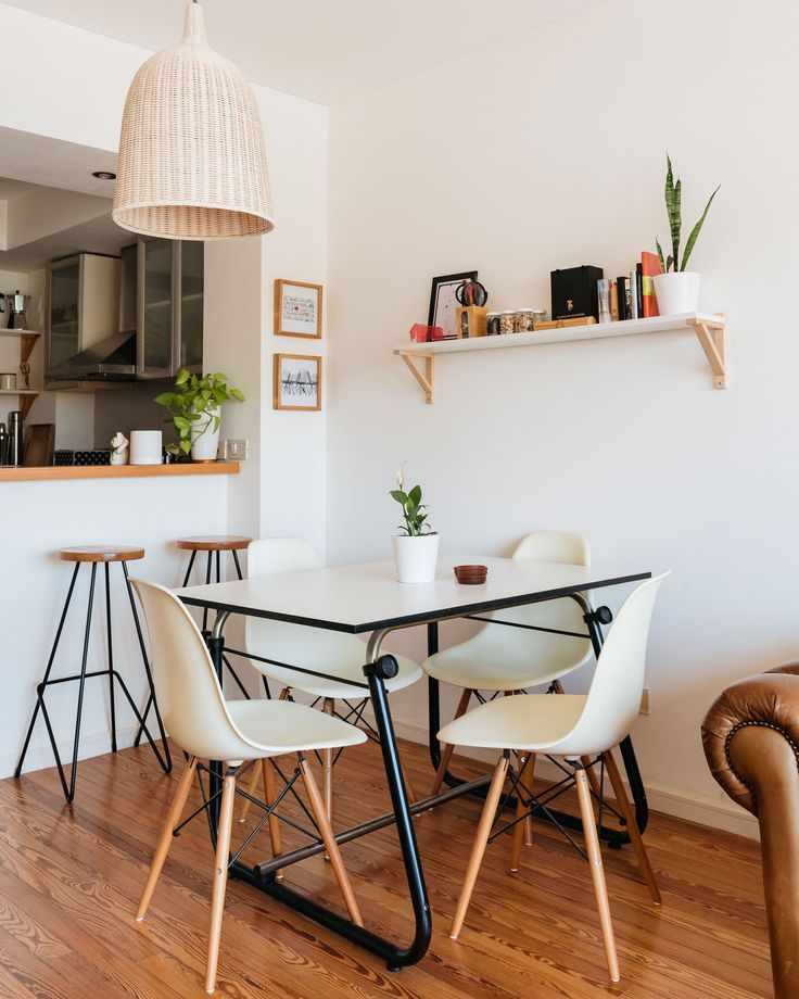 Small Dining Room Solutions: An Architect's Studio-Turned-One-Bedroom