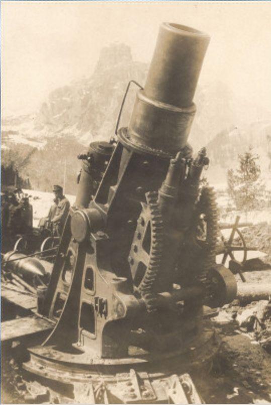 Erster Weltkrieg: Österreichische Artillerie in den Dolomiten. Photographie. um 1916