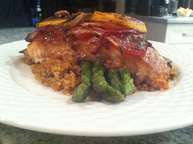 Salmon teriyaki with quinoa and green beans