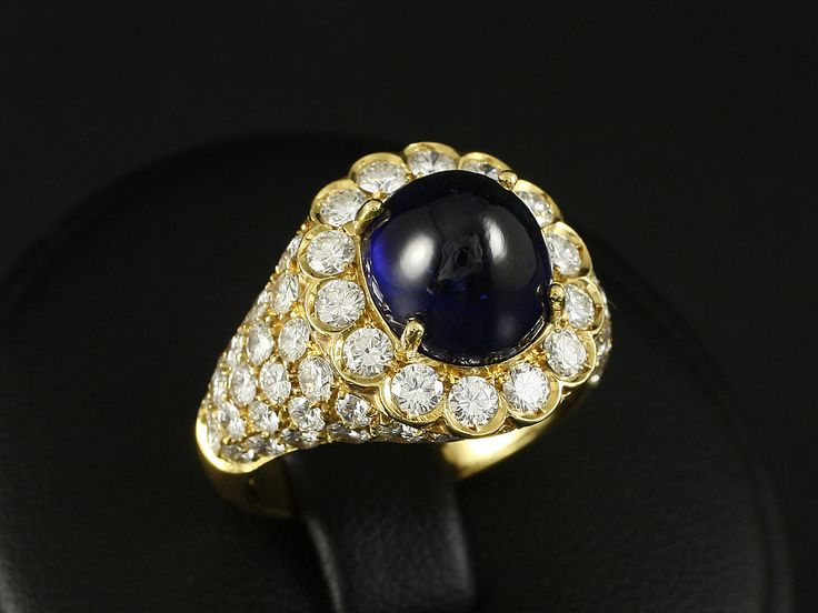 Appraisals over EUR 20.400,- EUR by the internationally recognized  German Society of gemstone evaluation in Idar-Oberstein  70 Brilliants TW-W / IF-P 2,97ct  Sapphire cabochon 6,20ct 8.2g  - Yellow Gold 750 Ring size 12 (inner diameter 16,6mm) Ring rail during 15,6-3,4mm Valuable gold work from the renowned workshop of jeweler Schimmelpfeng (Bad Homburg)