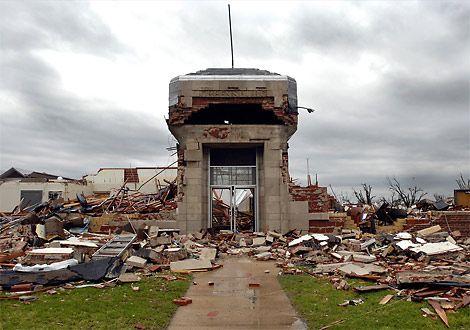 Greensburg, Kansas Photos, Kansas Tornado, Tornado Pictures, ...