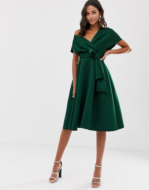 Asos Design Robe De Bal De Promo A Epaule Tombante Avec Detail A Nouer In 2020 Prom Midi Dress Maxi Dress Prom Ball Gowns Evening