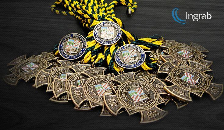 Medallería corte especial en oro, plata, bronce, esmaltadas y en relieve. PINES: Metálicos con corte especial corporativos esmaltados, estampados y con relieve.