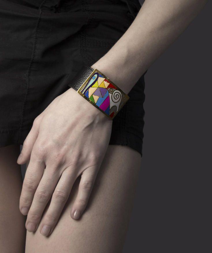 Dekorativní výrazný náramek inspirovaný kubismem. #sperkymoda.cz #sperky #jewellery #jewelry #fashionjewellery #bizu #bracelet #czech #czechgirl #náramky