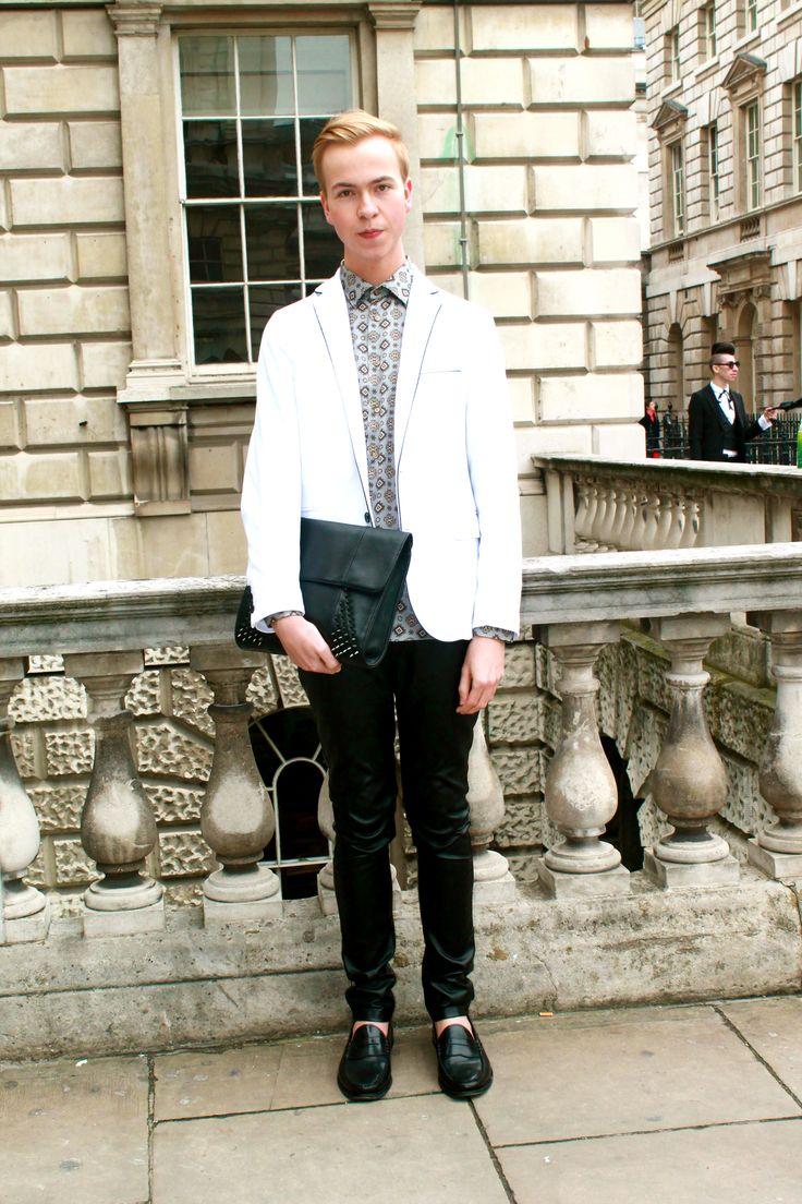 Sartorial elegance #whitelines #studdedbags