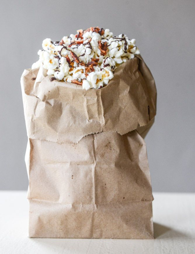 Hot Pepper Bacon Popcorn with a Lindt Chocolate Drizzle from @howsweeteats