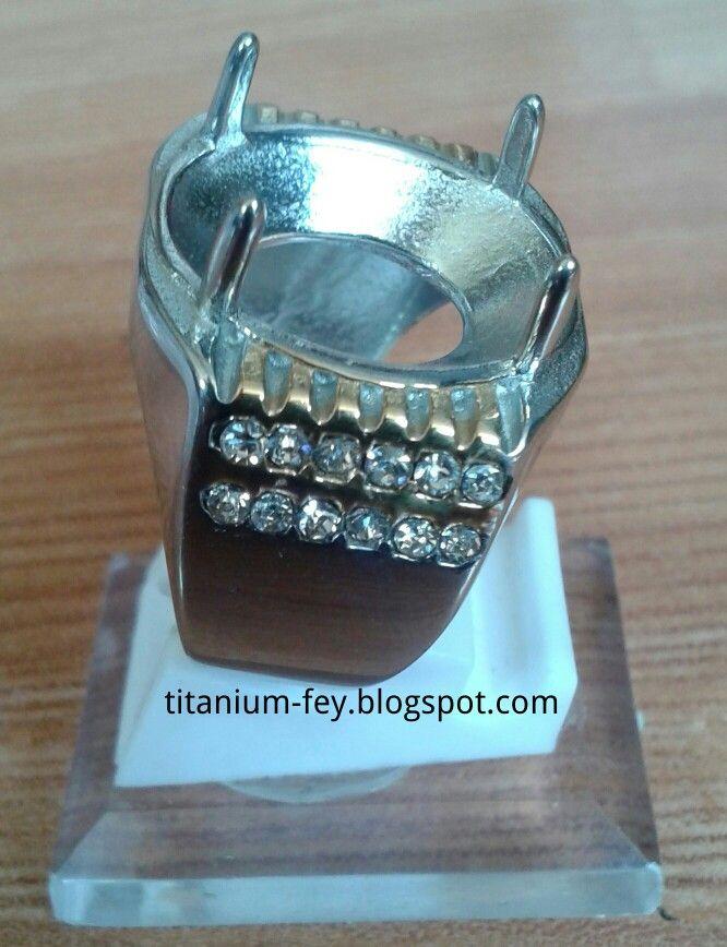 Link info to http://titanium-fey.blogspot.com