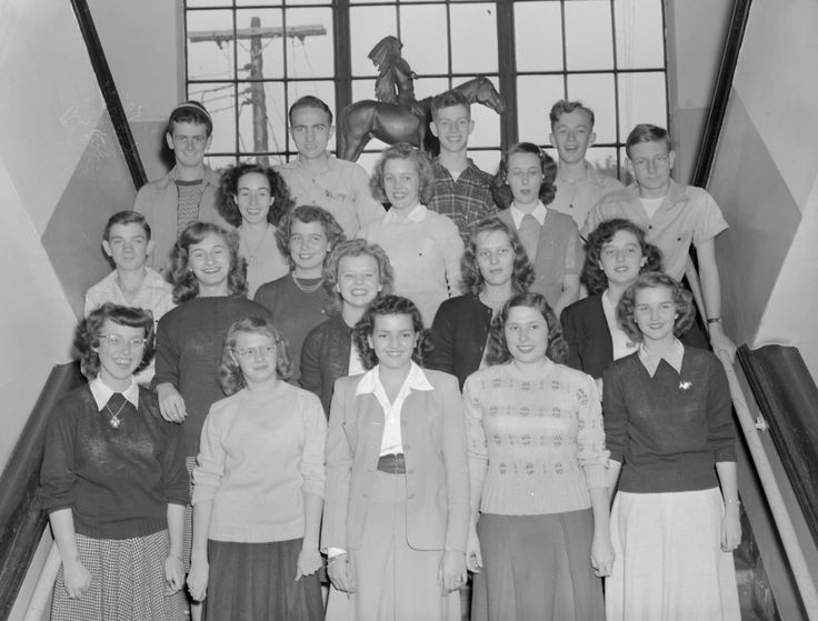 Dobyns-Bennett High School Indian Tribune Advertising Staff.  Row 1: Anna Marie Pennington, Peggy Slaughter, Khalida Showker, Patsy Spivey, Jean Bridwell  Row 2: Bill Ledgerwood, Marie Ellis, Joe Ann Jennell, Jacqueline Simmons, Geraldine Armstrong, Christine Chadwell  Row 3: Patsy Williams, Shirley Sample, Joann Guinn, Tom Nave  Row 4: W.F. Hale, Paul Carpenter, Leonard Nelson, Philip Libby