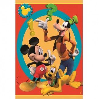 Mickey, Pluto si inegalabilul Goofy fac din acest covor o adevarata poveste amuzanta de fiecare zi. Culorile puternice ale covorului rosu, albastru si galben il umplu de personalitate. Bucura-ti copilul si inveseleste-l zi de zi cu un covor Disney Club House 15 de o calitate exceptionala, foarte confortabil si moale !