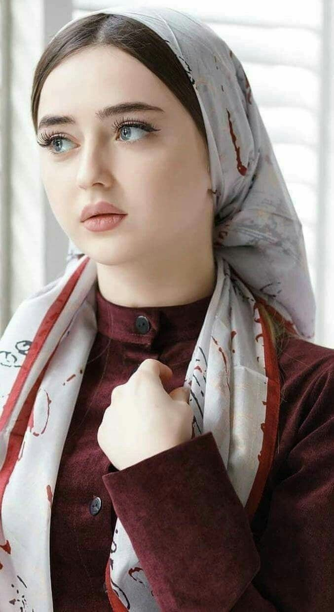 Pin By Ismael Giorgio On Hiyab In 2019  Beautiful Hijab, Muslim Beauty, Beauty Women-1094