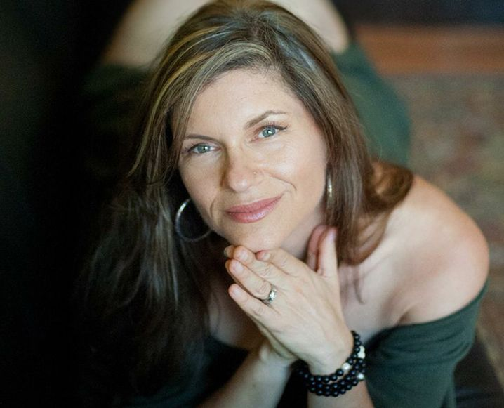 Living well with Dr. Sara Gottfried interview on her health must haves. Hormone Reset Diet