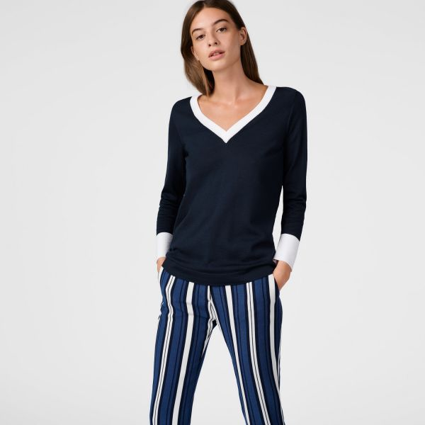 GANT - Contrast Color Merino V-Neck Sweater Marine for women | Offisiell nettside  Pris 1'600,-