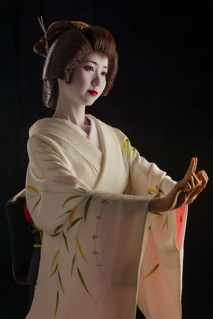 John Paul Foster - A Photographer of Geisha, Maiko, and Kyoto | Geisha & Maiko I | 5