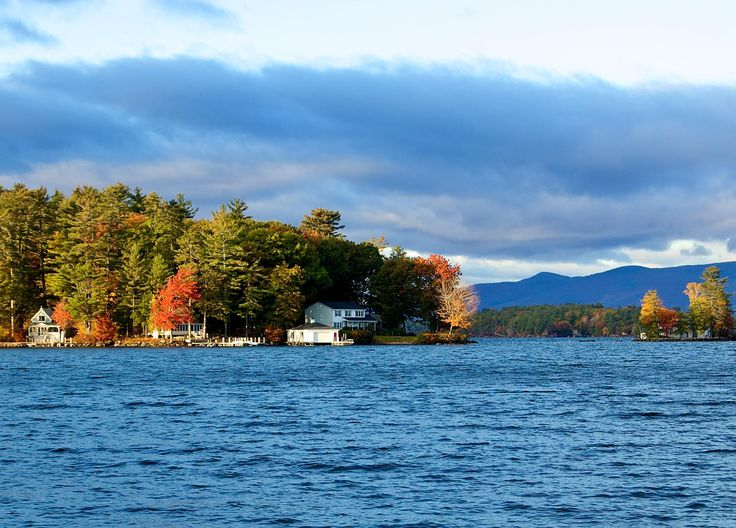 Lake Winnipesaukee. Lake Winnipesaukee is a great year round destination where the scenery is splendid and the recreational opportunities are many.