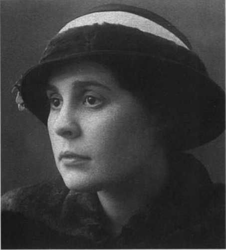 Lilya Brik, 1914
