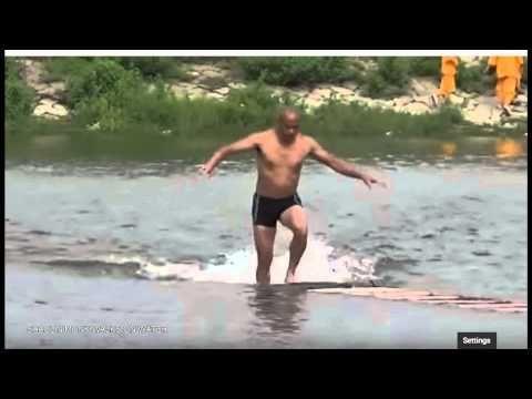 Shaolin Monk Walks on Water Breaks the New Records