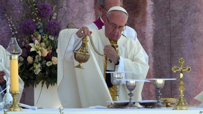 Paus Fransiskus: Jangan samakan Islam dengan kekerasan