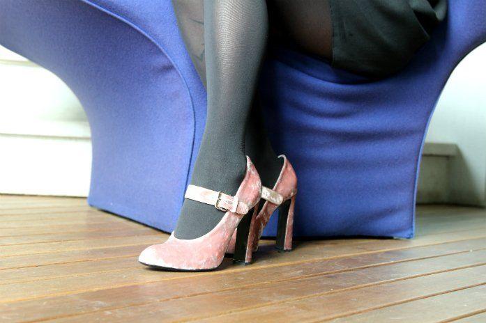 scarpe di velluto #fetishpantyhose #pantyhosefetish #legs #heels #blogger #stiletto #pantyhose #black