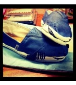 is that a shark? // shoes  TOMS  One for One fashion style