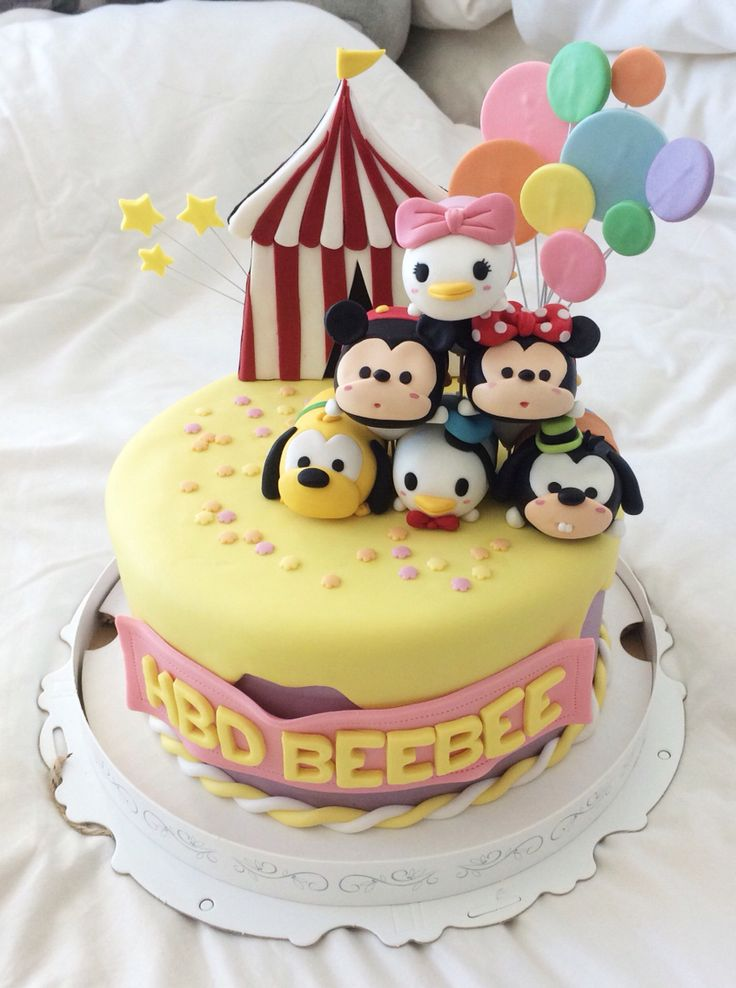 tsum tsum birthday cake!  Disney Magic  Pinterest  Disney, Cute ...