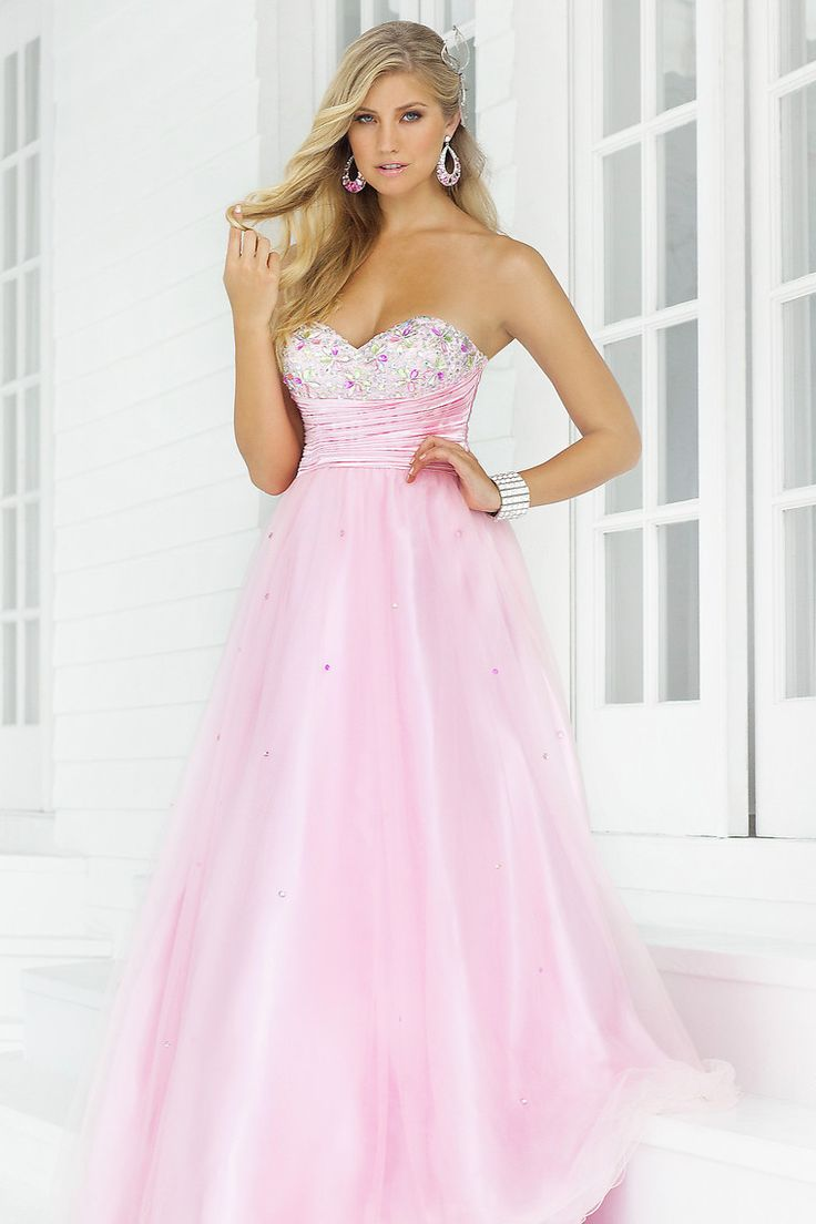 35 best Quinceanera dresses images on Pinterest | Prom dresses ...
