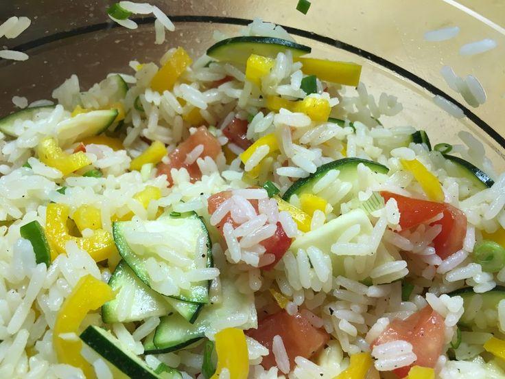 Sommerlich leichter Reissalat, ein schmackhaftes Rezept aus der Kategorie Vegetarisch. Bewertungen: 85. Durchschnitt: Ø 4,2.