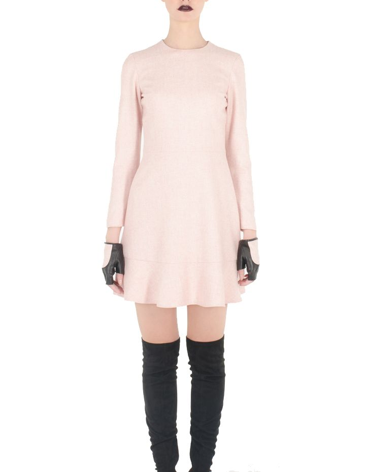 Pink color short dress with long sleeves by SHOPyte for women.  Model is 177 cm and is wearing size XS  Fabric: 40% Wool, 40% Viscose, 20% Polyester Lining: 50% Viscose, 50% Polyester Color: Pink Measurements:  Care: Machine wash, cold; Iron, medium; Dryclean, any solvent except trichloroethylene; Do not bleach, do not tumble dry Made in Spain  Conditions générales de vente