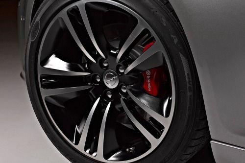 2014 Chrysler 300 SRT8 Wheel