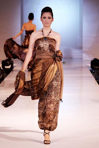 This modern batik designed by Madoong
