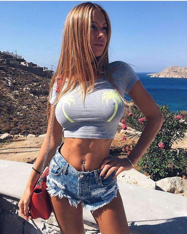 Sexy blonde loves sex free videos