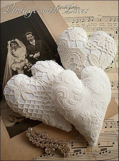 Vintage with Laces....... beautiful blog!  So inspiring! .... http://vintagewithlaces.blogspot.com/2012/02/lace-hearts-and-other-valentine.html