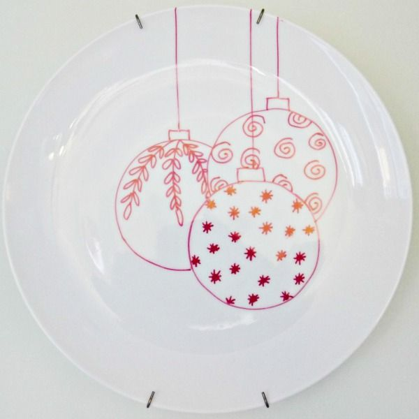 Cute for giving away cookies | Holiday ideas | Pinterest | White plates Sharpie anu2026 & Homemade Christmas dishes with dollar store white plates and a red ...