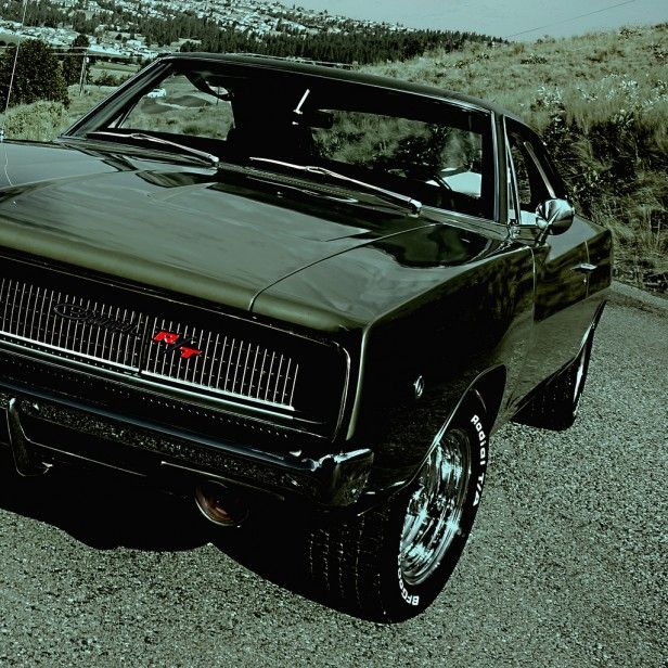 1968 Dodge Charger R/T hat dem Pool ein Foto hinzugefügt: Well, the Classic Car season of 2012 is waning quickly, and I want to thank everyone who has been so encouraging to the guy who just posts pictures of his car :-/ . I KNOW it's pretty different, but most people tend to