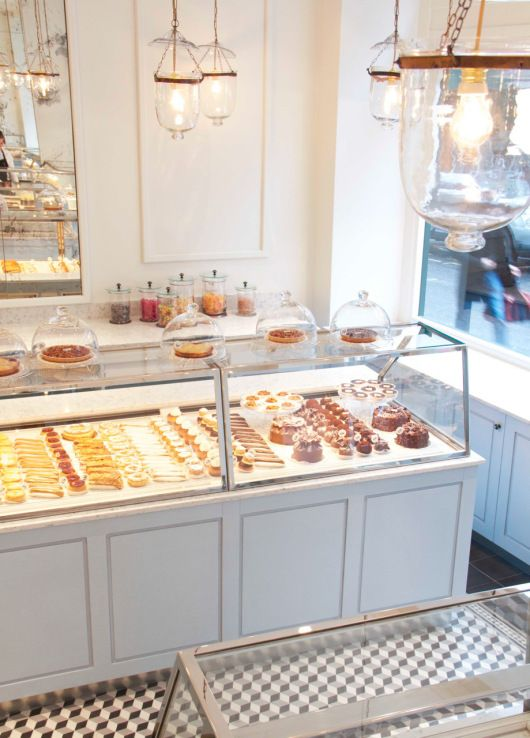 Vitrina italia bakery pinterest vitrinas pasteler a for Comedores almacenes paris