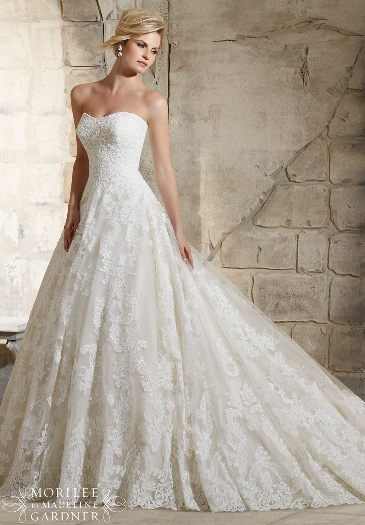 Cute  Bridal Gowns Dresses Delicate Beading Onto the Patterned Alencon Lace on the Tulle Ball